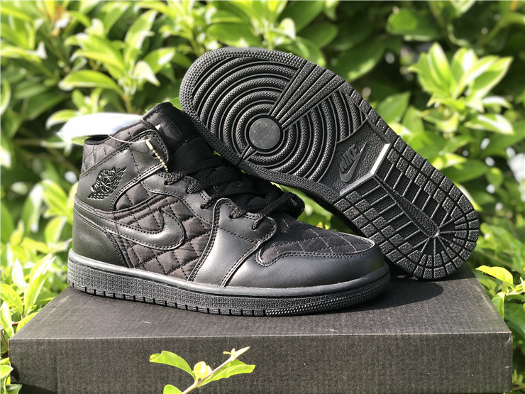 New Air jordan 1 mid triple black quilted shoes