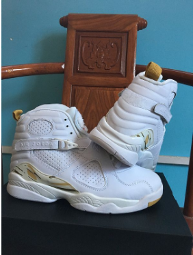 "Air Jordan 8 ""Championship Trophy"" White Metallic Gold-Light Bone"